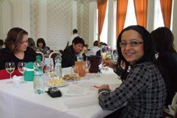 Ženské komisie. Sedela medzi nimi aj renomovaná redaktorka odborného periodika Kristína Šmehýlová.