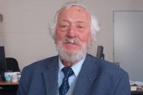 Akademik Ján Plesník sa v piatok 23. apríla dožil 85 rokov.