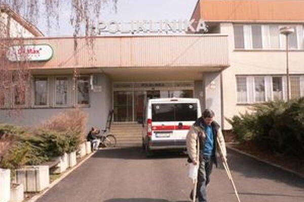 S tým, že lekárska služba prvej pomoci zostáva v Seredi aj naďalej, sú miestni veľmi spokojní.