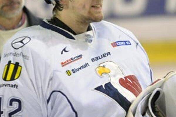 Branislav Konrád v drese Slovana sa tešil z jasného postupu. Ani Nitra však nemusí smútiť z uplynulej sezóny.