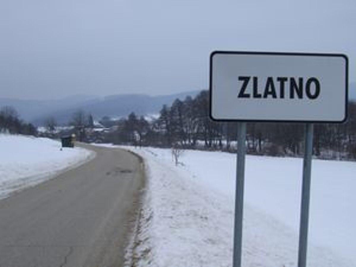 d337ee31c Najmenšia dedinka okresu Zlaté Moravce je v noci čierna ako noc. Svetlo  vypína starosta,