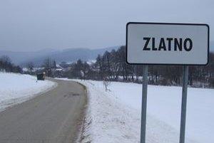 Najmenšia dedinka okresu Zlaté Moravce je v noci čierna ako noc. Svetlo vypína starosta, aby ušetril.