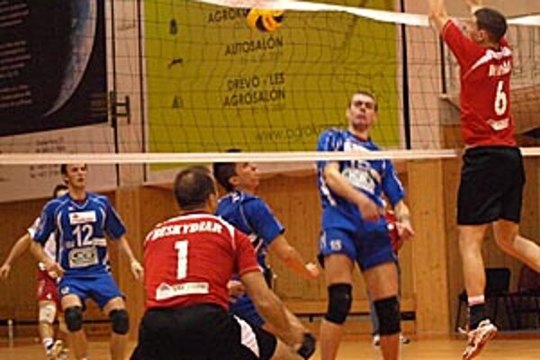 Muži Nitry dosiahli ôsme víťazstvo. V akcii Krajčík, Šompľak, Czápa a Vavro.