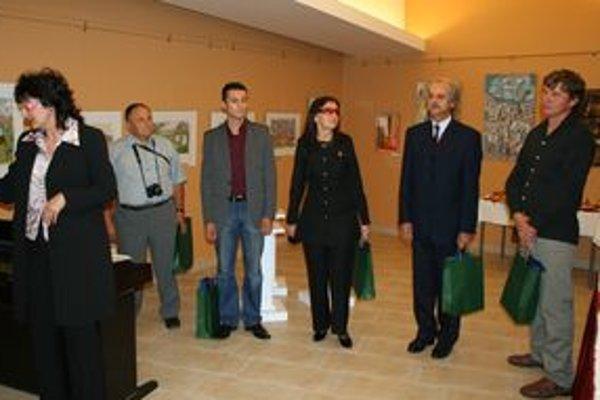 Na výstave v maďarskom Ostrihome sa do konca októbra prezentujú slovenskí umelci.