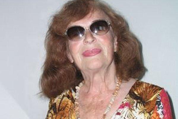 Hilda Augustovičová sa v auguste dožila 75 rokov. Zároveň oslávila 50 rokov pôsobenia v DAB v Nitre.
