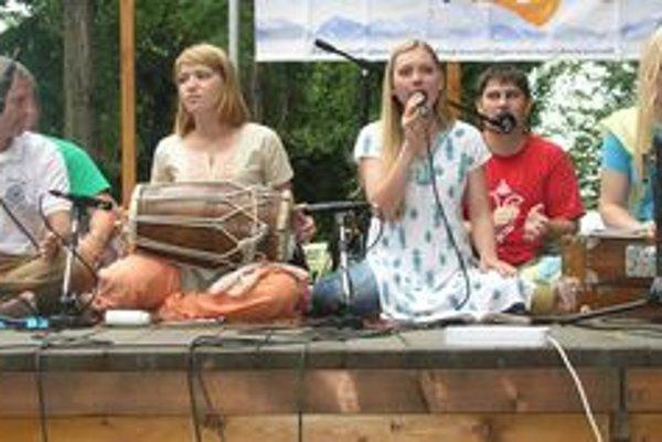 Ukrajinská skupina Sangham spievala tradičnú indickú hudbu.