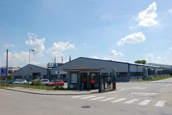 Doteraz najmasívnejšie prepúšťanie v Topoľčanoch ohlásila firma SEWS Slovakia.