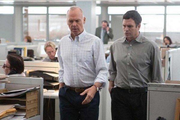 Michael Keaton (vľavo) a Mark Ruffalo vo filme Spotlight.