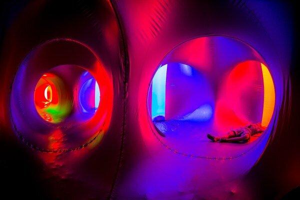Luminarium.