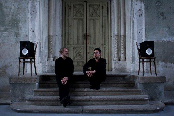 Cluster Ensemble interpretujú hudbu 20.storočia pre súčasné publikum.