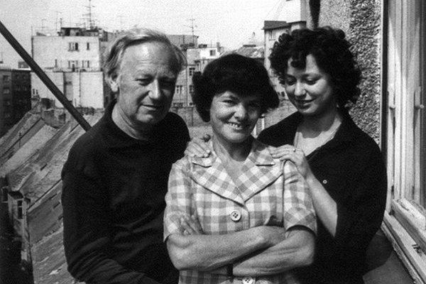 Posledný spoločný portrét rodiny Kalinovcov na Slovensku. Vznikol na balkóne ich bytu v roku 1978.