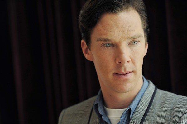 Benedict Cumberbatch - 37 rokov má, 2004 v tomto roku sa prvýkrát objavil na televíznej obrazovke v úlohe Stephana Hawkinga v televíznom filme Hawking,  4 z piatich filmov, v ktorých hral vlani, získali nominácie na Oscary, 10 rôznych cien zatiaľ