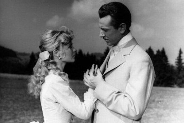 Karol Machata a Mari Törőcsik v hlavných úlohách takmer rozprávkového príbehu.