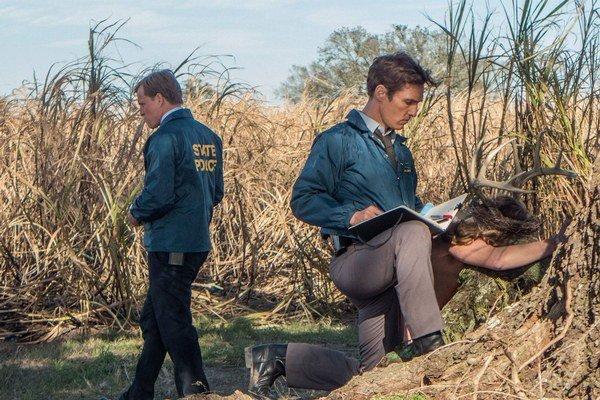 Woody Harrelson (vľavo) a Matthew McConaughey. Jeden lepší ako druhý v seriáli True Detective. U nás sa uvádza pod názvom Temný prípad.