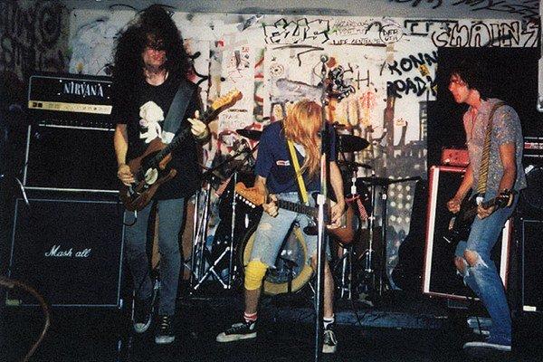 Nirvana 1989 – kto by povedal, že onedlho budú plniť štadióny a zarábať milióny?