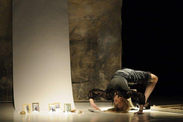 O najväčšie prekvapenie pri nomináciách na Dosky sa postarala Sláva Daubnerová s divadlom P.A.T. a predstavením Untitled.