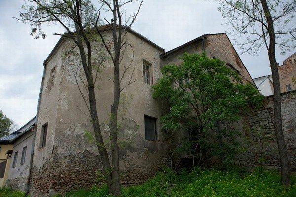 Bašta pri Lazovnej bráne v Banskej Bystrici sa zmení na Rezidenčný literárny dom.