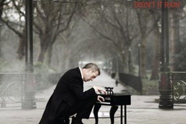 Hugh Laurie na obale svojho druhého albumu.