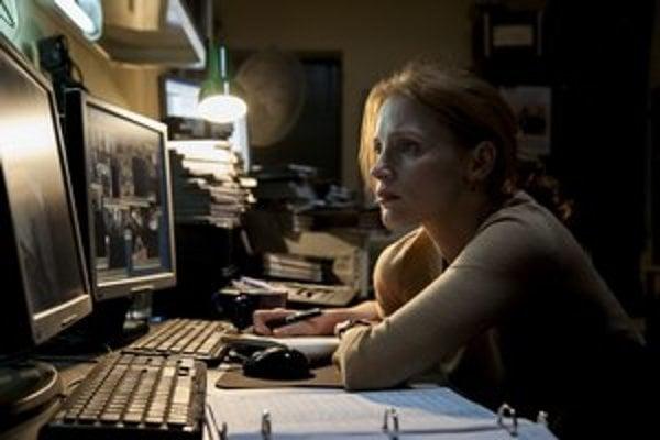 Jessica Chastain je vo filme workoholičkou bojujúcou pri love na Usámu bin Ládina.