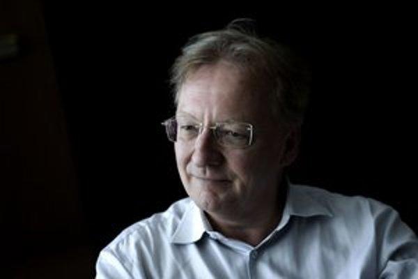 Friedrich Haider (1961) bol najmladším šéfdirigentom štrasburskej Opéra National, spolupracuje s  prominentnými opernými domami (Viedeň, Mníchov, New York). Od roku 2001 pravidelne hosťuje aj v Slovenskej filharmónii.