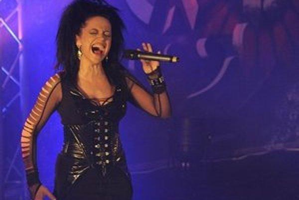 Lucie Bílá bola na turné od marca s metalovou skupinou Arakain.