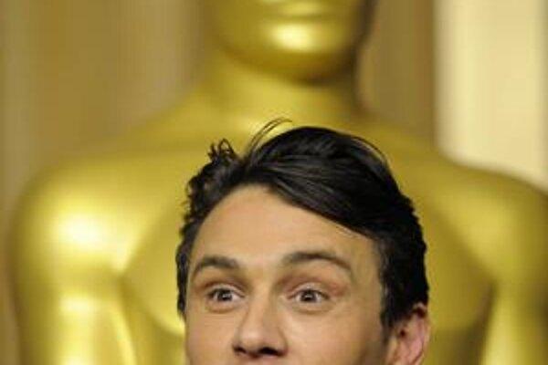 James Franco je nominovaný na Oscara za film 127 hodín. Aj keby nevyhral, na pódiu bude. Ako moderátor.