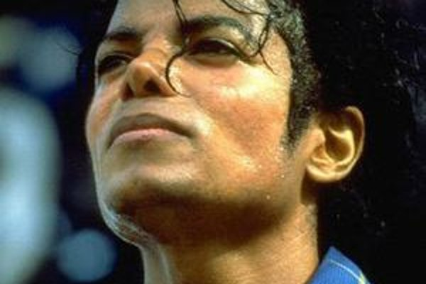 Album nových skladieb Michaela Jacksona sa objaví pred Vianocami.