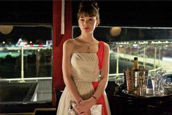 Pôsobivá Carey Mulligan bravúrne vystihla charakter dievčaťa na prahu dospievania.