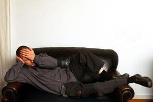 """Lars von Trier(*1956). Najznámejší súčasný dánsky režisér sa narodil do voľnomyšlienkarskej rodiny komunistických nudistov a šlachtické """"von"""" si pridal sám v kodanskej filmovej škole. Preslávil sa filmom Eur"""