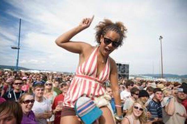 Aby sa ľudia mohli naplno zabávať, organizátori festivalov sa musia tento rok obracať.