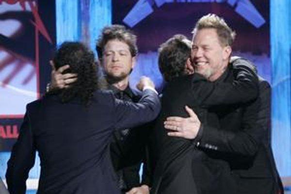 Metallica si po rokoch opäť zahrala so svojím bývalým basgitaristom Jasonom Newstedom (druhý zľava).