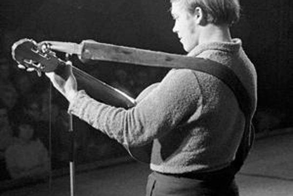 Jeden z posledných českých koncertov Karla Kryla pred emigráciou v roku 1969.