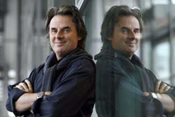 Usmievavý Jean-Christophe Grangé opäť napísal temný román.