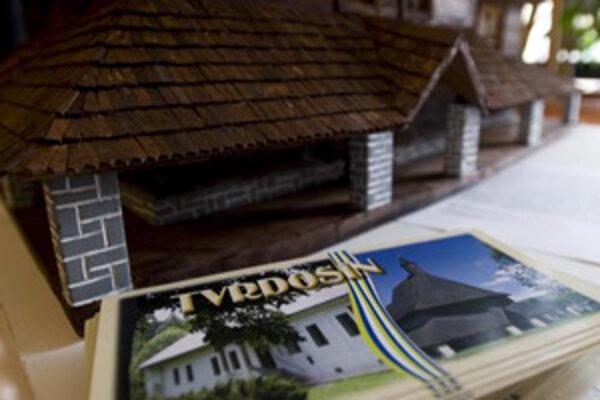 Model dreveného kostolíka v Tvrdošíne.
