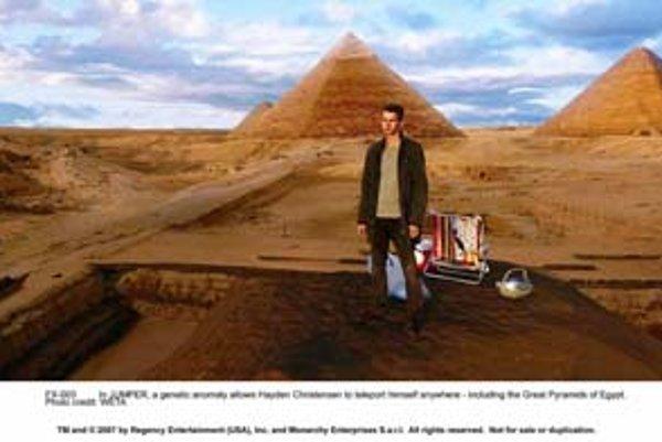 H. Christensen sa raz–dva teleportuje do Egypta.
