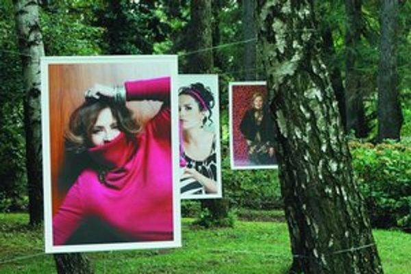 Z výstavy slovenskej fotografky Ivany Lipovskej Tváre v tráve v bratislavskej Botanickej záhrade.