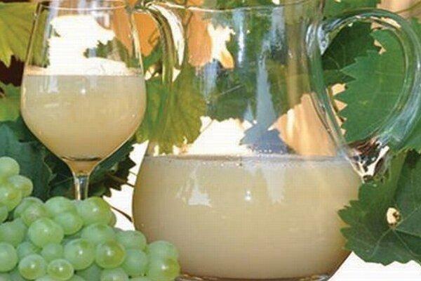 Veľkým lákadlom každého vinobrania je burčiak.
