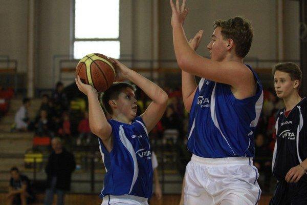 V hale na Komenského ulici v Pezinku vyvrcholí tretí ročník Školskej basketbalovej ligy Vistareal cup.