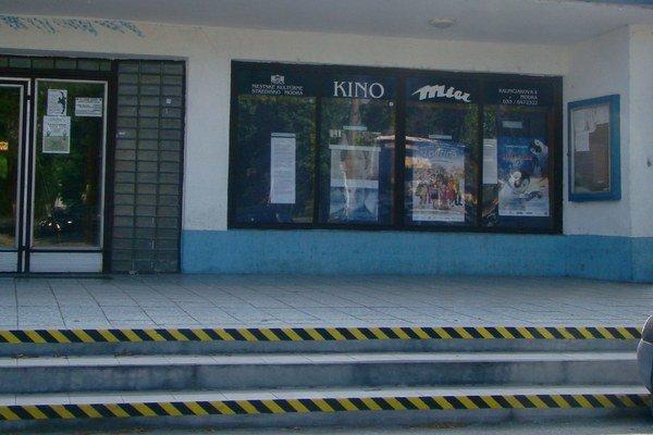 Budova modranského kina Mier má viac ako 50 rokov.