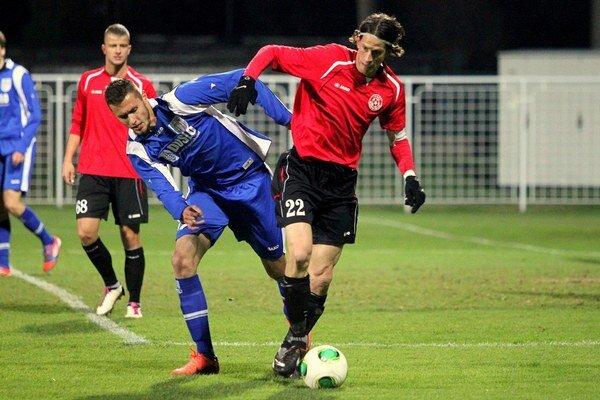 Futbalistom SFM Senec schválili za posledné obdobie vždy ročnú dotáciu 100 000 eur. Tentokrát sa táto suma rozdelí medzi všetky športové kluby.