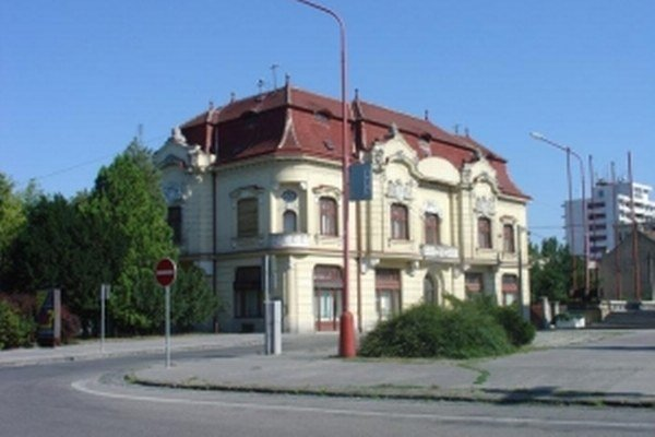 Knižnica Juraja Fándlyho Trnava.