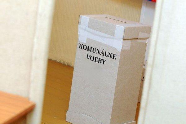 V komunálnych voľbách budeme o nových zástupcoch samosprávy rozhodovať už 15. novembra.