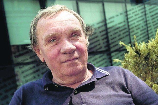 František Grebeči je spoluzakladateľom a dramaturgom Lodenice.