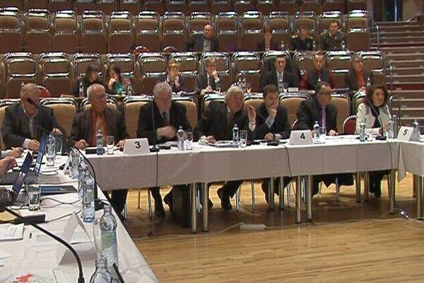 Zasadnutie zastupiteľstva v Hlohovci.