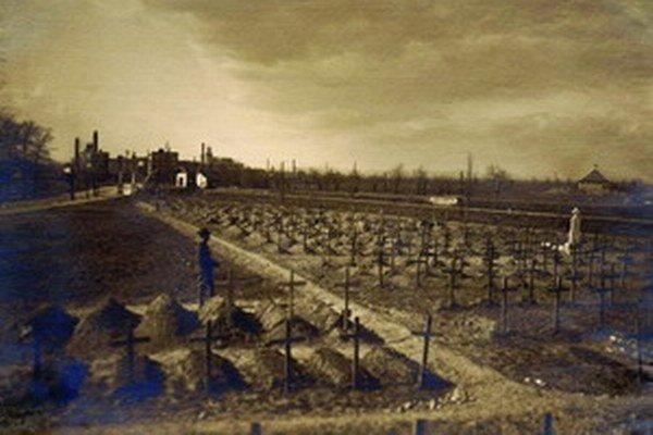 Takto vyzeral Vojenský cintorín v Trnave v 20. rokoch minulého storočia.
