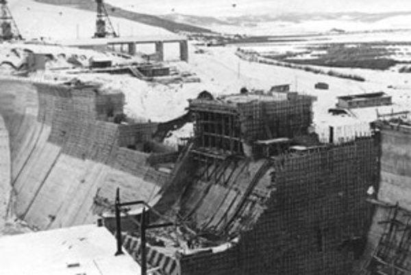 Výstavba Oravskej priehrady.