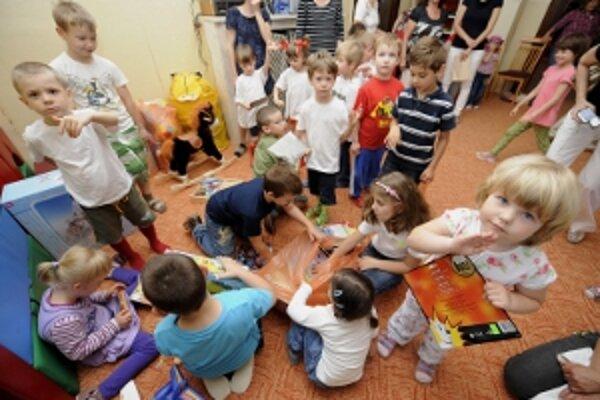 Od septembra pribudne v materských školách 64 miest pre deti.