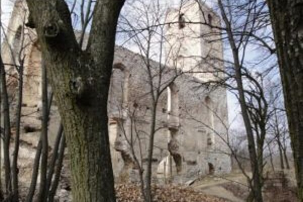 Katarínsky kláštor považujú Naháčania doposiaľ za svoj.