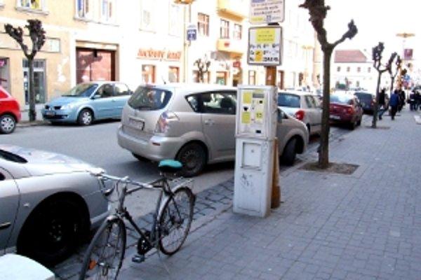 Parkovacie automaty sa nedajú nastaviť na vydávanie mincí.