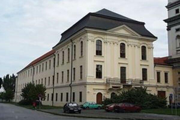 Na Trnavskej univerzite prebehne štvrté kolo voľby rektora.
